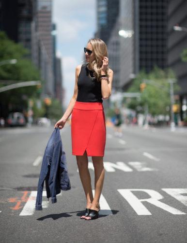 юбка-карандаш красного цвета