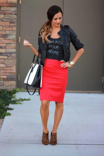 красная юбка-карандаш фото