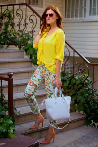 С чем носить желтую блузку фото